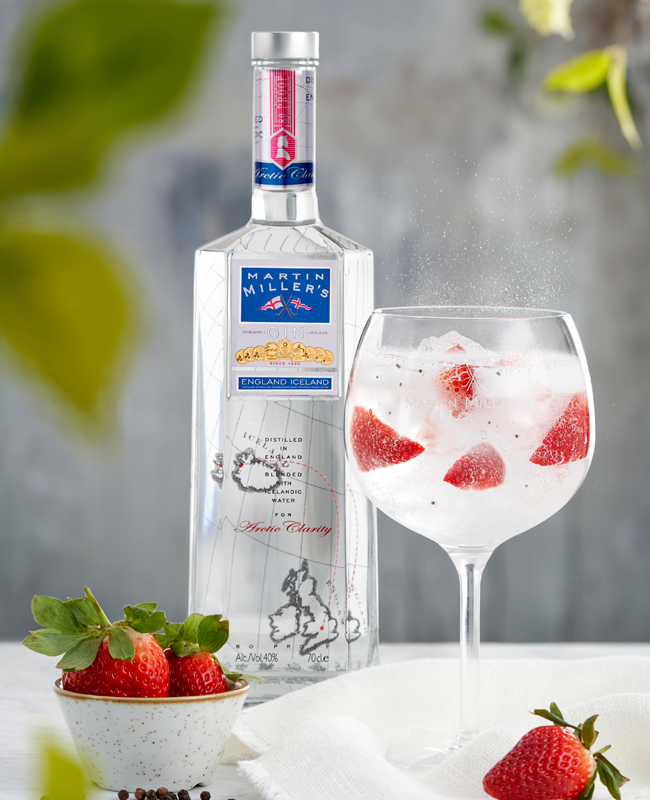 Strawberry And Black Pepper Gin And Tonic